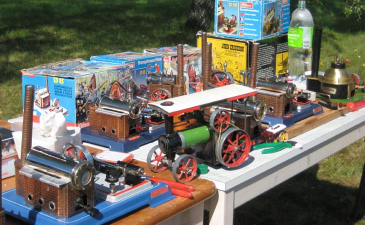 Minimotorer å ångmaskiner var också ett mycket uppskattat inslag som vi fick ta del av.