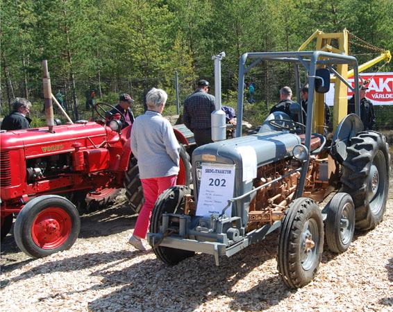 sen kom traktorer och åter traktorer å lite annat också