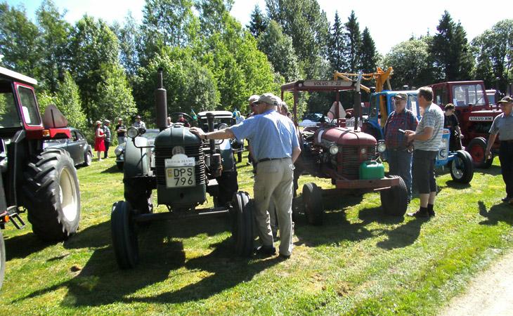 6-juni-traktorpark