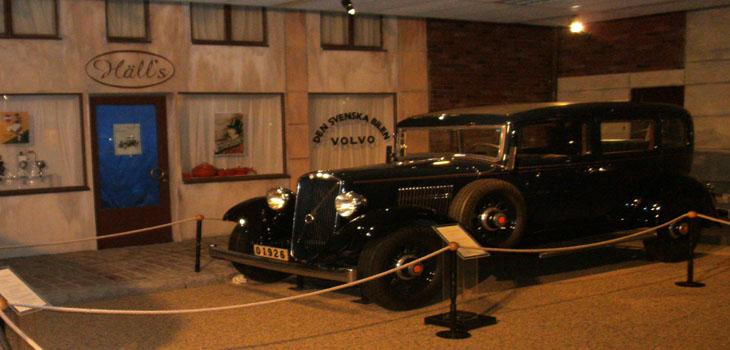 Efter att avnjutit en god lunch på Aeromuseum så tog vi oss vidare till Torslanda och Volvomuseet. En fröjd för ögat att besöka. Så här kommer lite bilder...