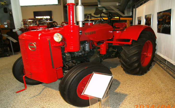 Traktor!!! hihihi ;) eller var det fotografen de blev glada över att få se??? :)