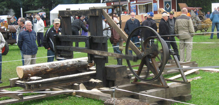 Här vid detta sågverk fick man inte ha bråttom. Det tog sin tid att fått sågat denna stock.