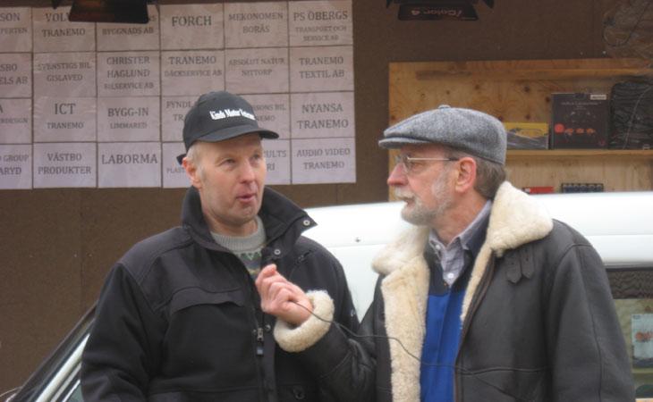 Vår Kassör Bosse passade naturligtvis på att informera om KMV när han stod på scen och visade upp sin Volvo Duett